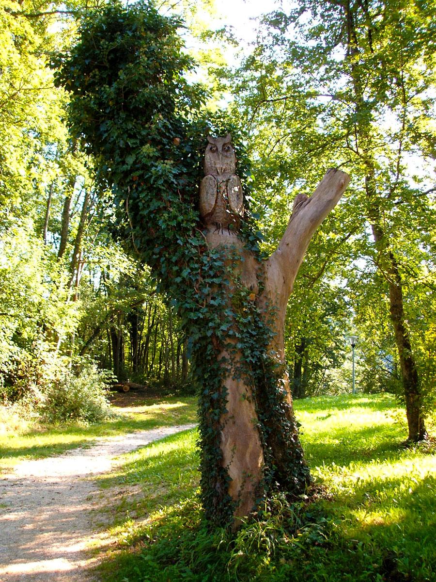 Holzskulptur Eule